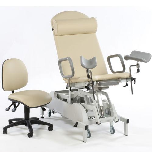гинекологический диагностический стол / электрический / на роликах / 2 секции